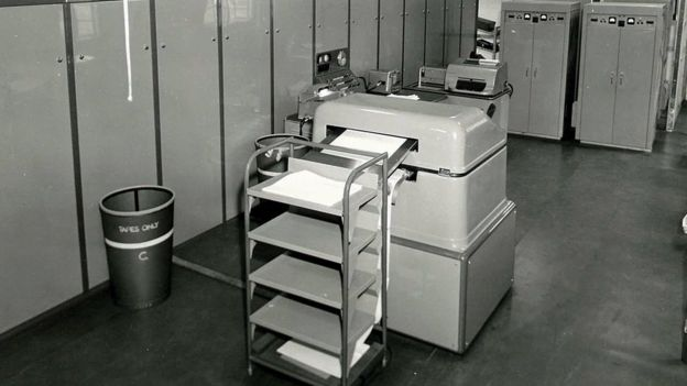 picture of the first met office computer with printout facility